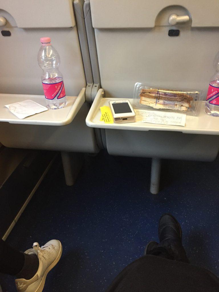ブダペストからウィーン 二等席 列車