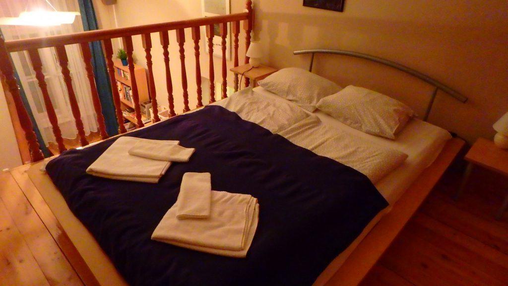 ブダペスト ホテル アパート 寝室 ベッド