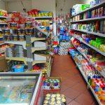 チェスキークルムロフにあるスーパーマーケット(商店)は日用品が揃うよ