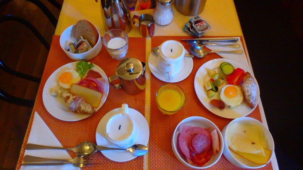 チェスキークルムロフ 朝食が美味しい ブログ