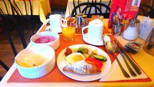 海外旅行 時差ぼけは食事で治す