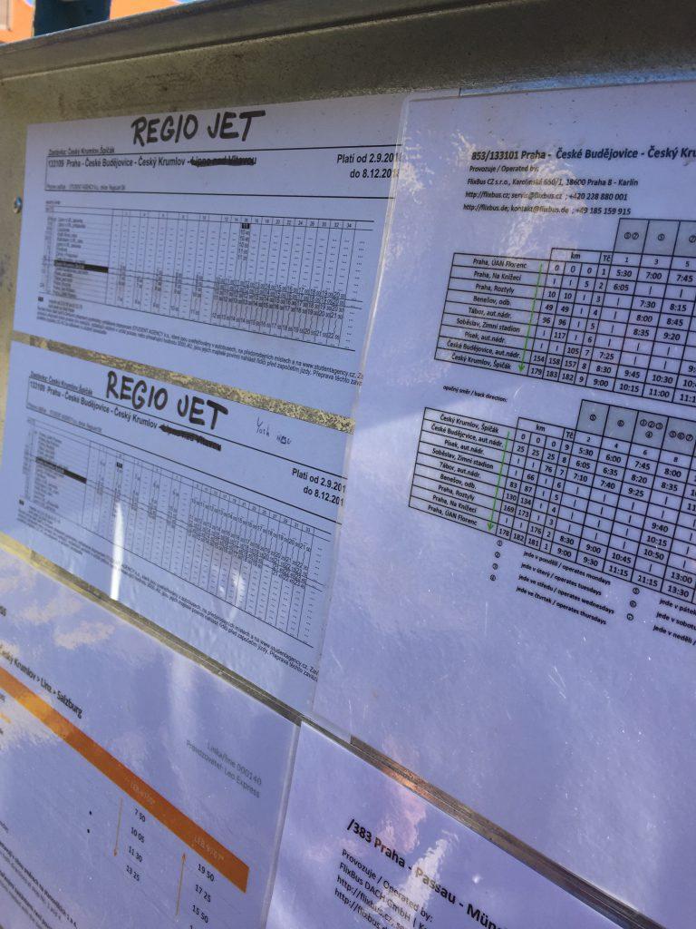 チェスキークルムロフからプラハへのバス 時刻表
