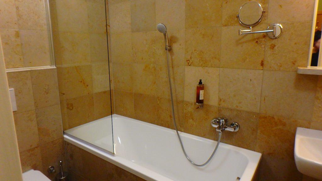 プラハのホテル 綺麗なバスルーム