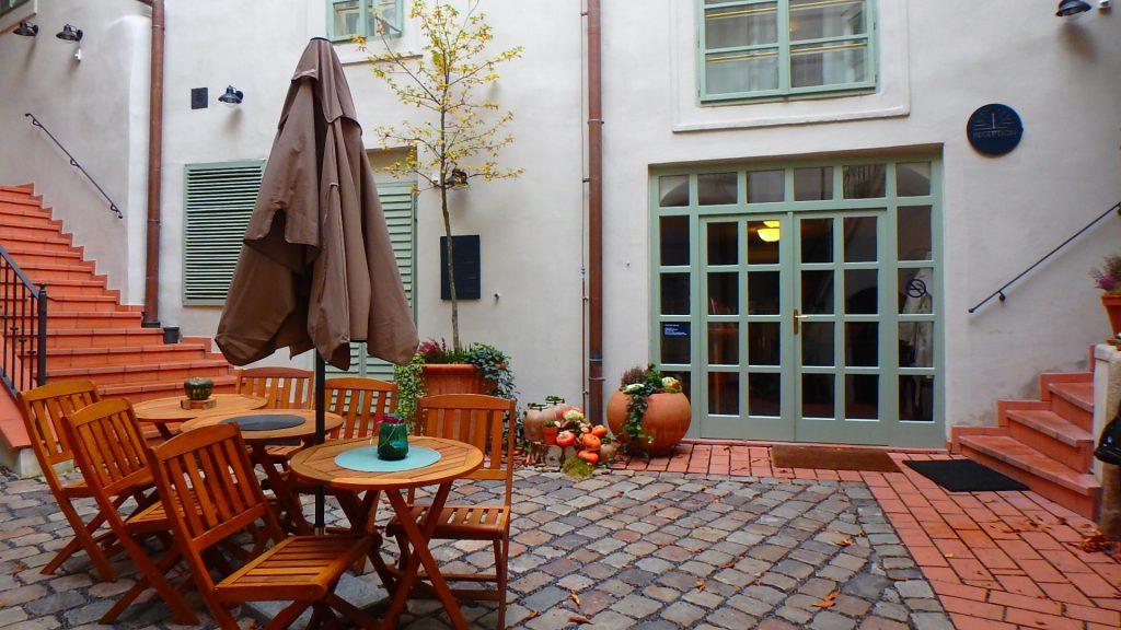 プラハ ホテル ブログ