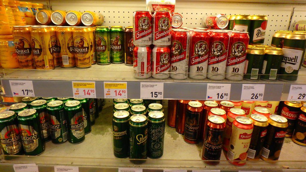 プラハ空港内スーパー チェコビール