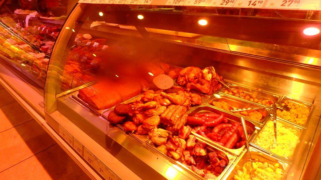 プラハ空港内のスーパー 食べ物