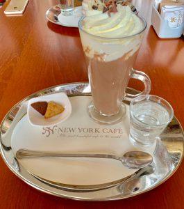 ブダペスト ニューヨークカフェ ホットチョコレート