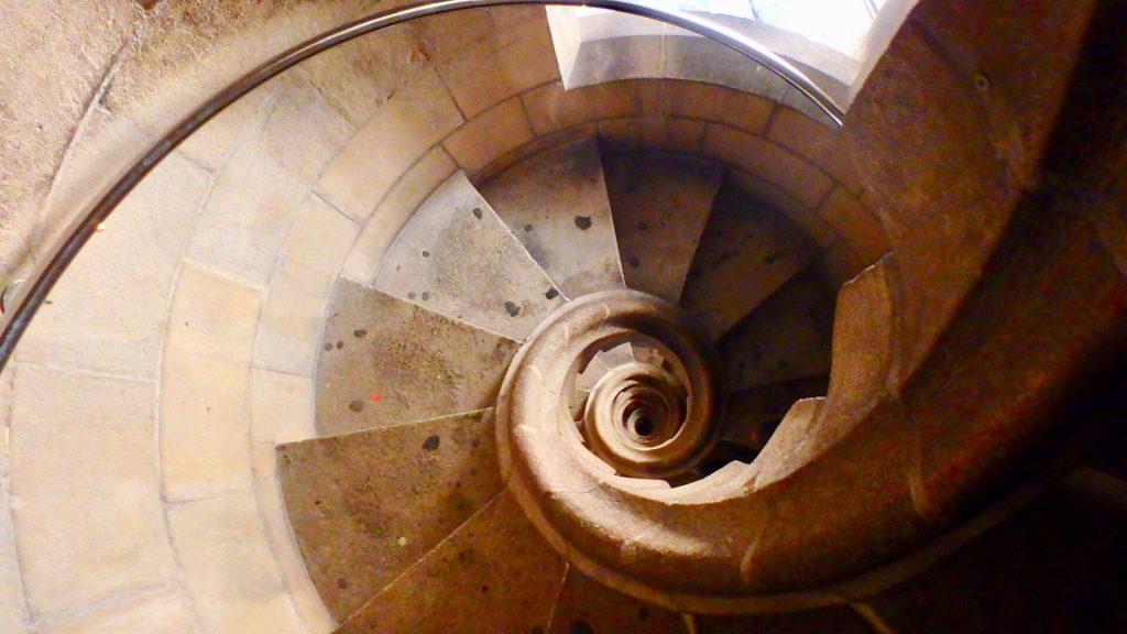 サグラダファミリア 有名な階段