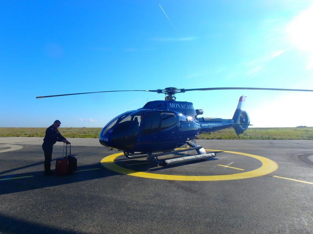 ヘリコプターでモナコへ