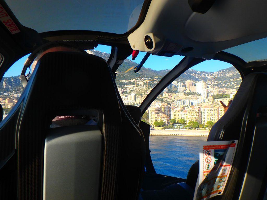 ヘリコプターでモナコへ ブログ
