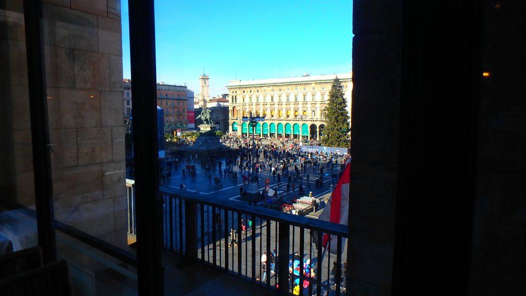 ミラノのドゥオモ広場