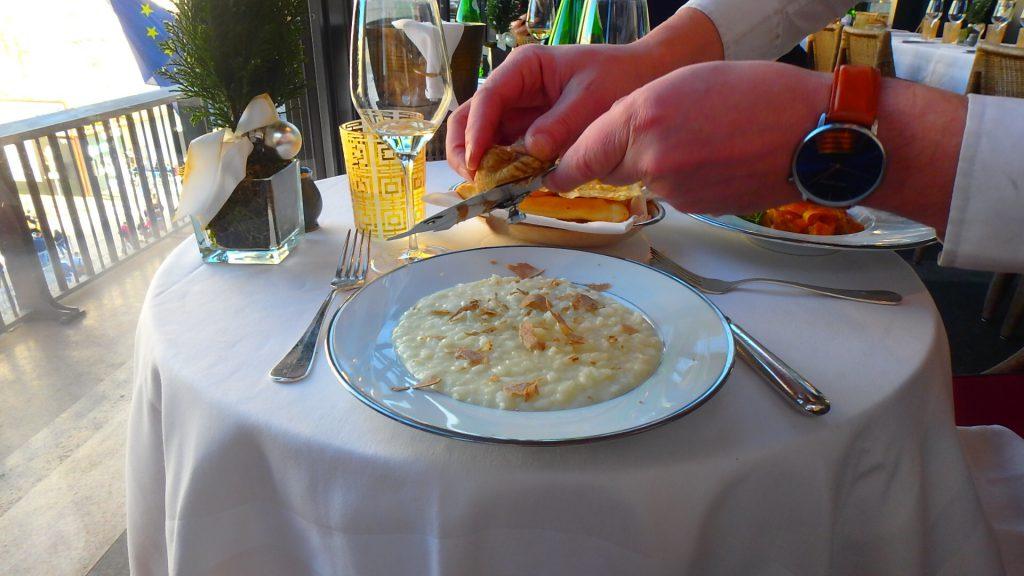 イタリアの白トリュフ レストラン