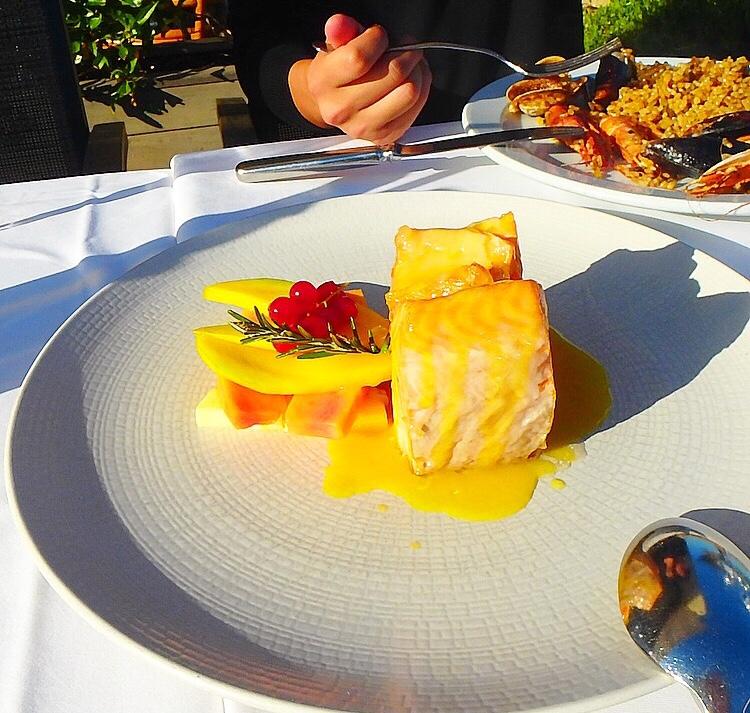 バルセロナの魚料理が美味しい サーモン
