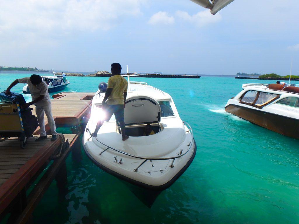 モルディブのスピードボート