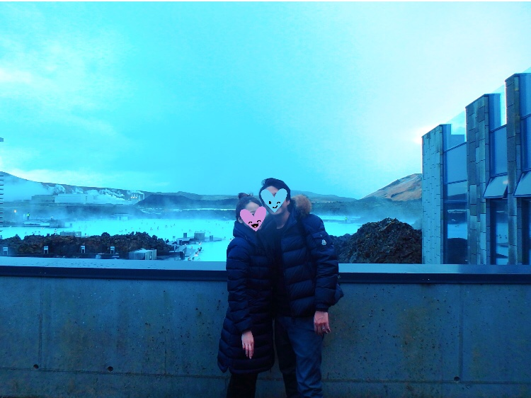 アイスランド ブルーラグーンで記念撮影 リトリートスパ