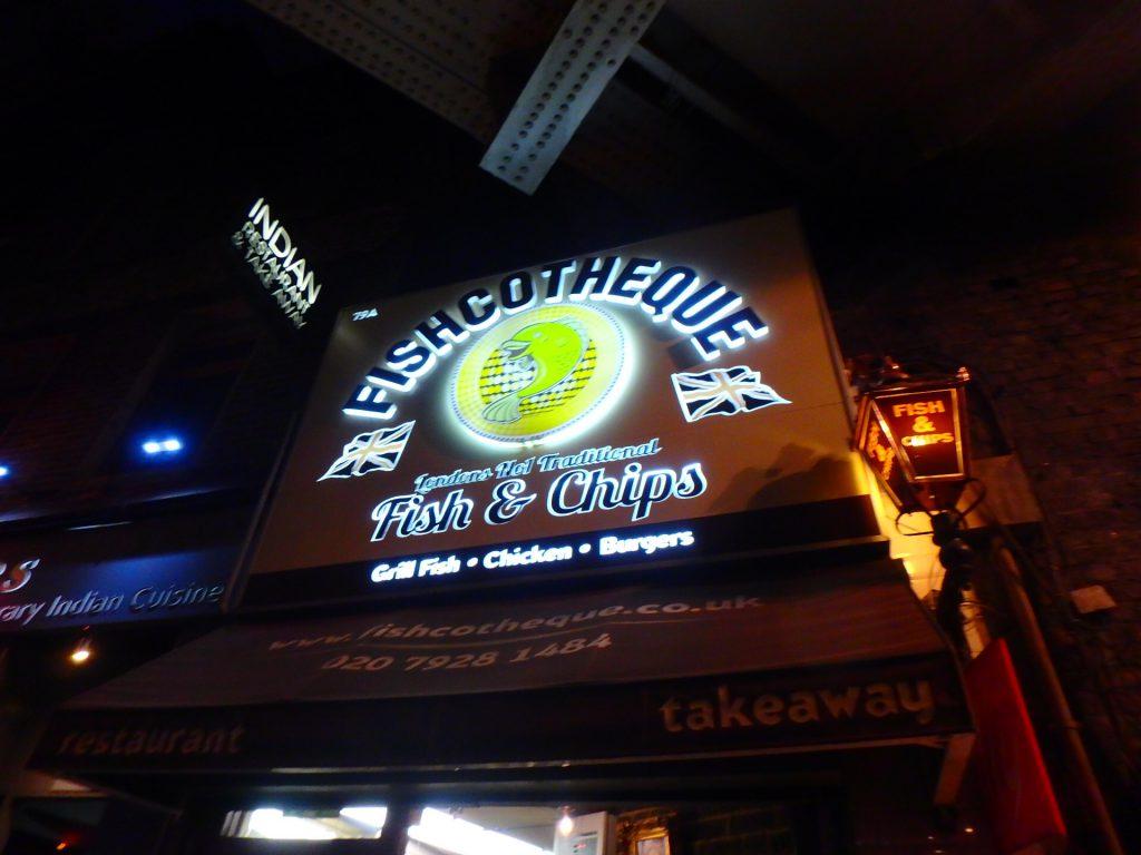 ロンドン FISHCOTHEQUE フィッシュアンドチップスが美味しい