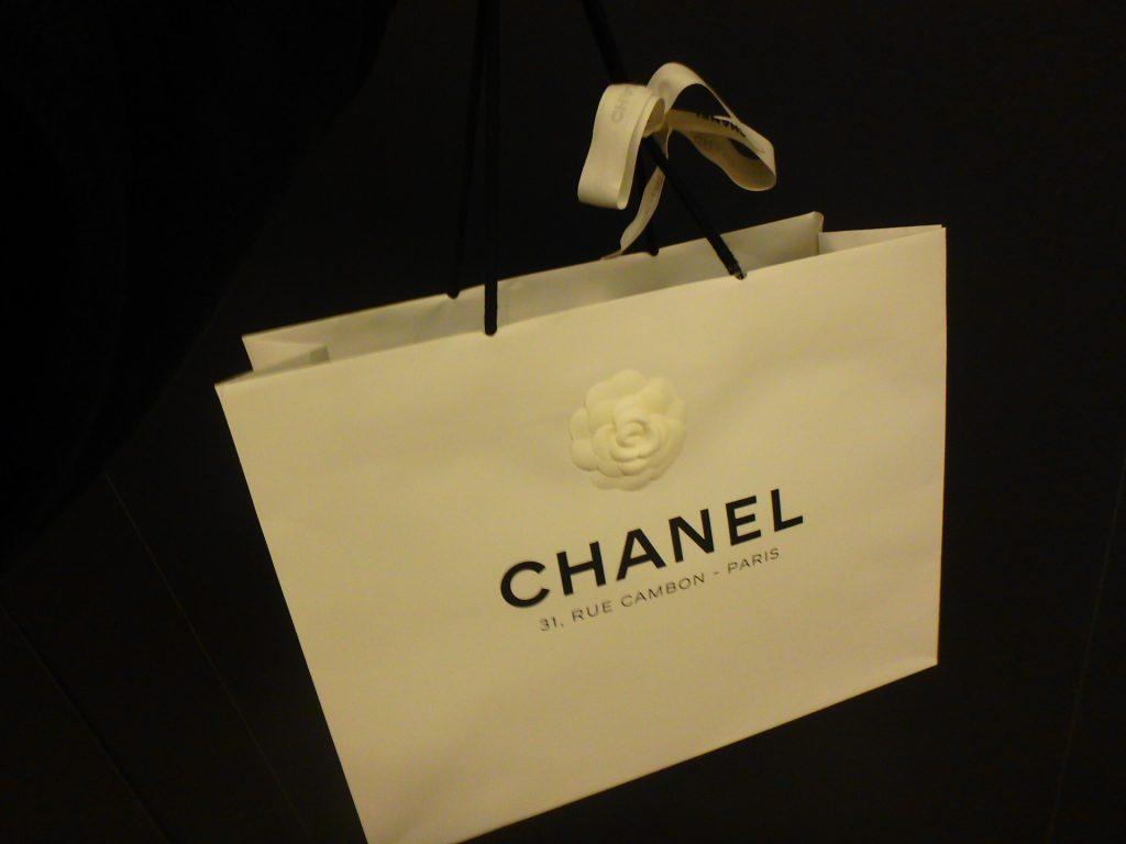 パリのシャネル本店限定ショッパー