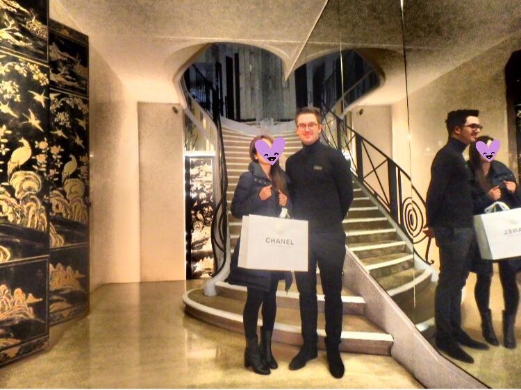 パリのCHANEL本店の階段 ブログ