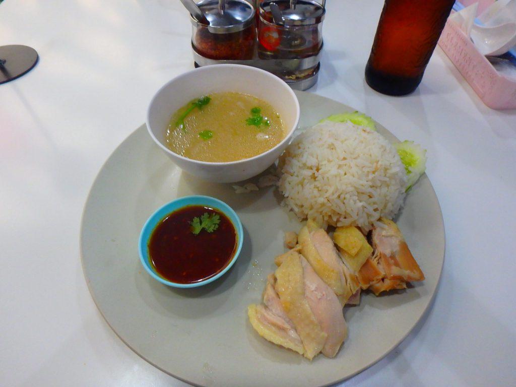 バンコク スワンナプーム 空港内のレストラン カオマンガイ
