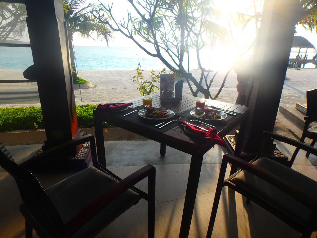 モルディブ アナンタラディグのFUSHI CAFE