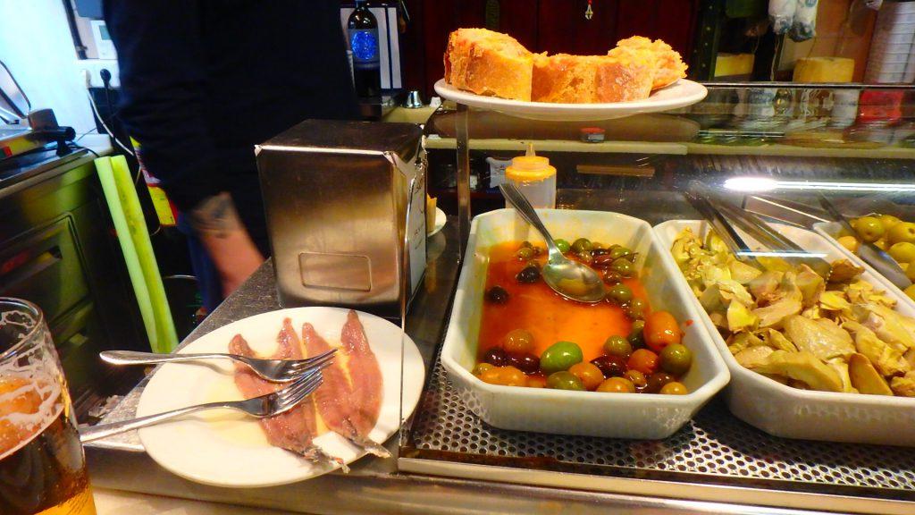 バルセロナ 安くて美味しいバル アンチョビ