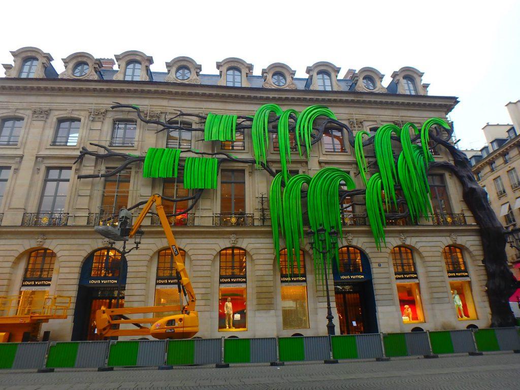 ルイヴィトンのパリ本店
