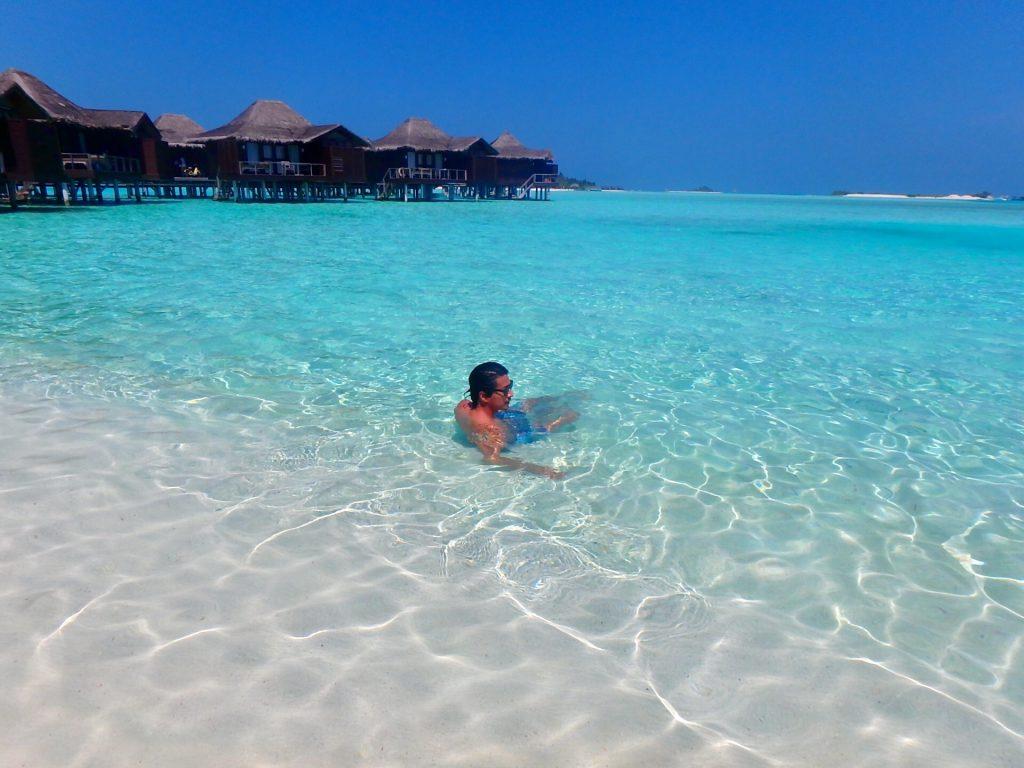 モルディブ 海 綺麗 リゾート ブログ