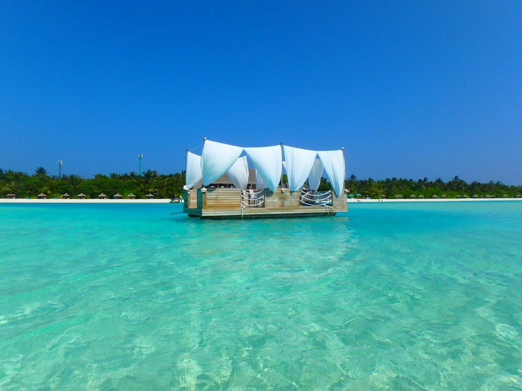 モルディブの水上レストラン