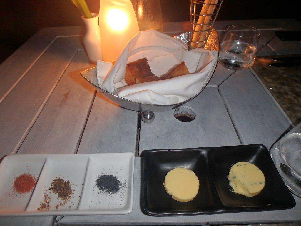 モルディブ レストラン バター 塩
