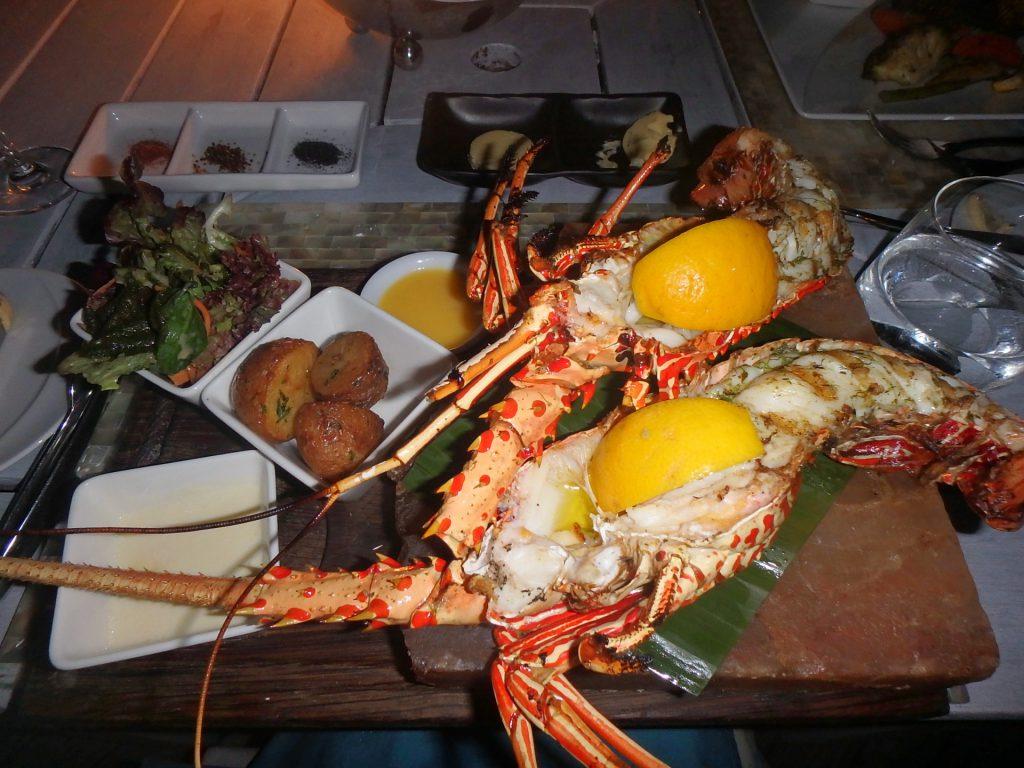 モルディブ シーフード レストラン 美味しい