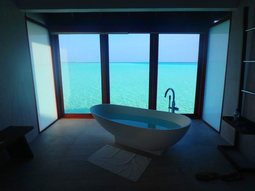 モルディブ 綺麗なお風呂 バスタブ