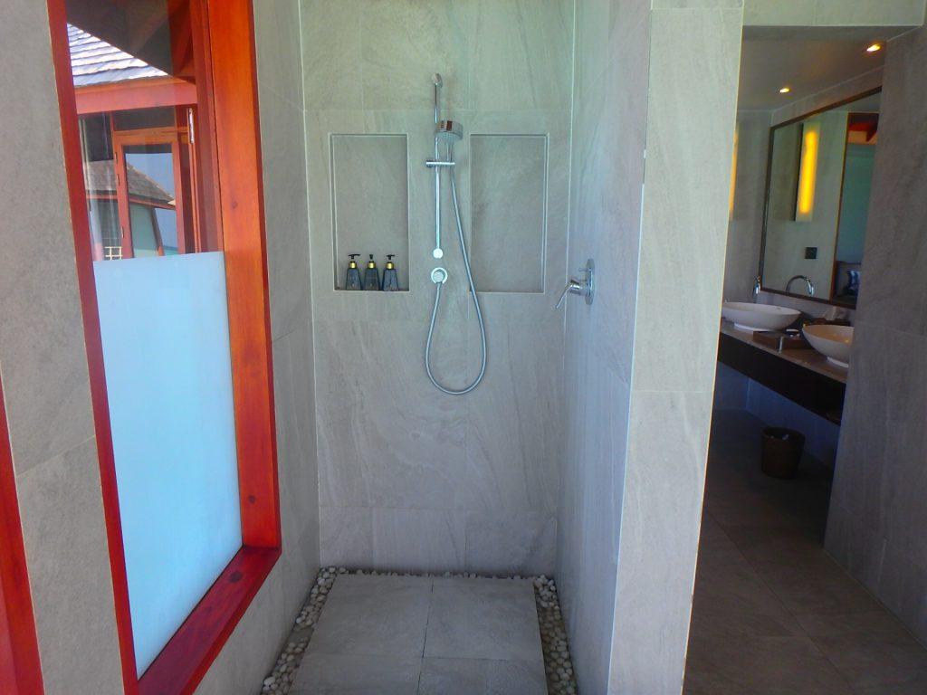 モルディブのホテル シャワー