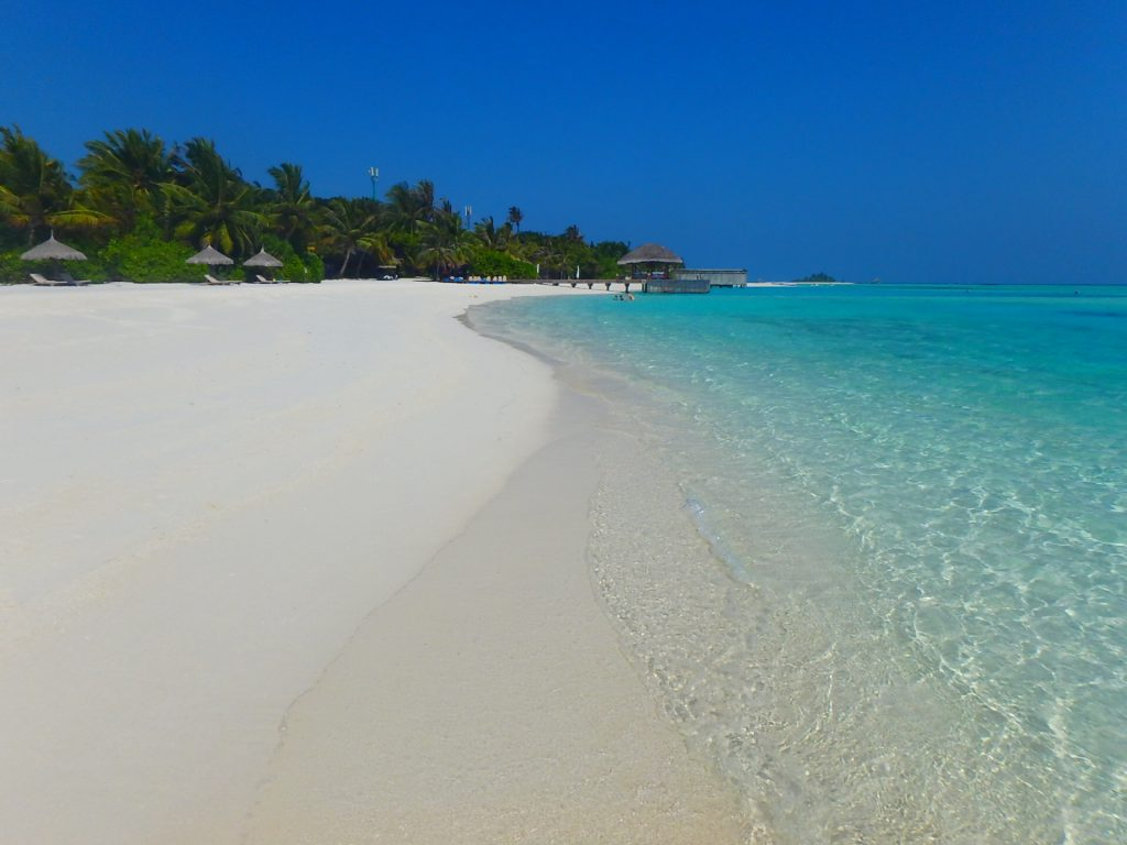 モルディブ 海が綺麗なリゾート ホテル