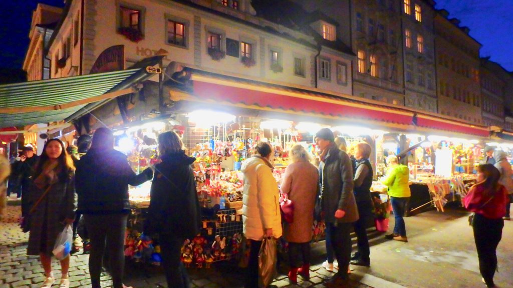プラハ お土産 市場