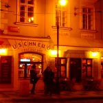 プラハのローカルレストランで美味しい伝統料理と名物ビール。チェコブログ