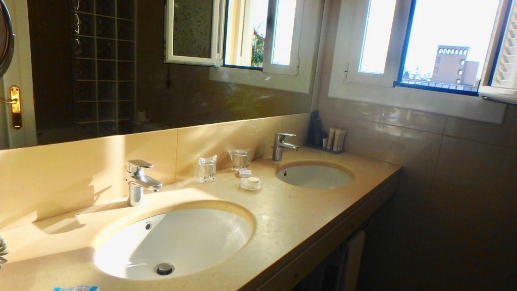 ホテルコロン バルセロナ バスルーム