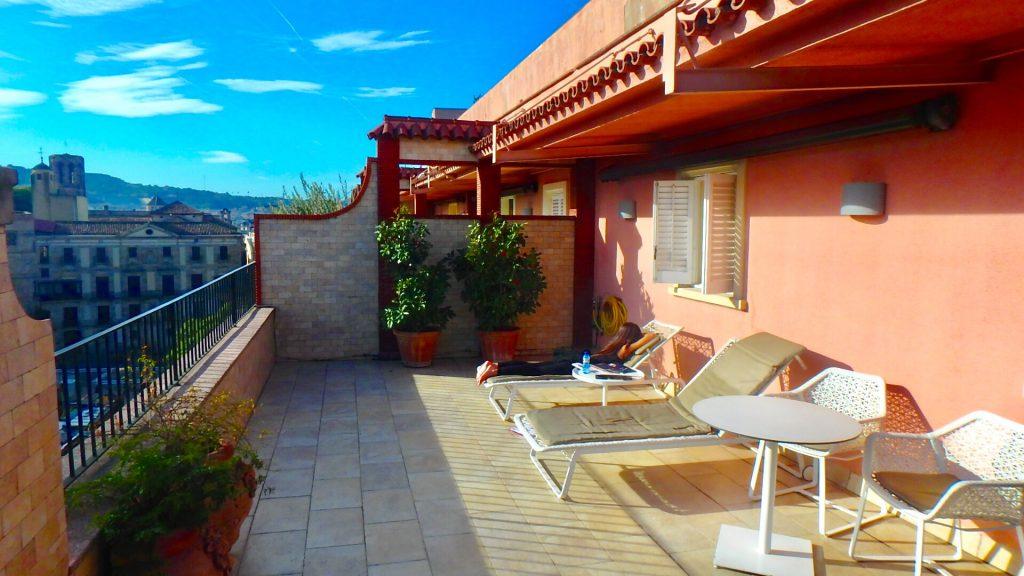 ホテルコロン バルセロナ お部屋のバルコニー