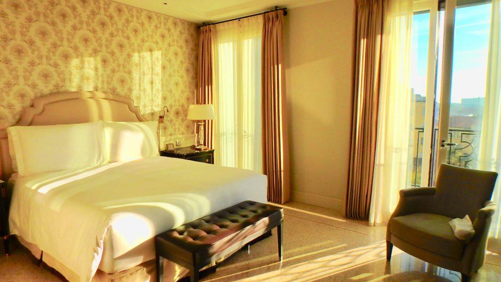 ミラノ 高級ホテル ブログ 部屋
