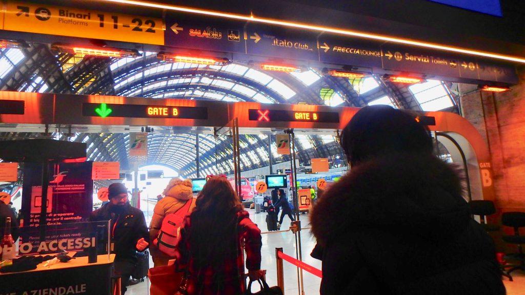 イタリア ミラノ 特急電車の乗り場