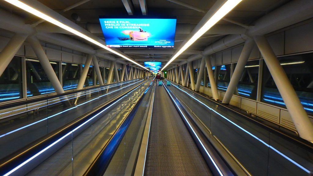 ローマ フィウミチーノ空港