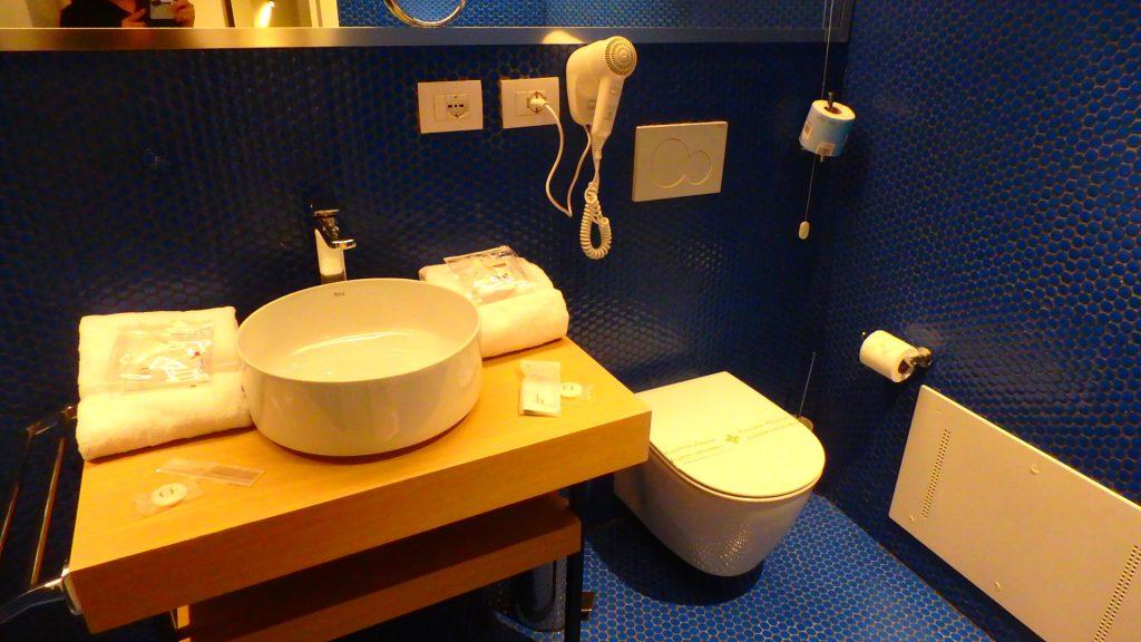 ローマ フィウミチーノ空港内ホテル バスルーム トイレ