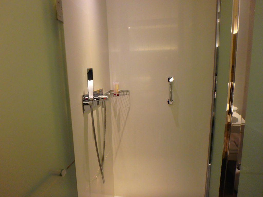 モナコ ホテル シャワールーム