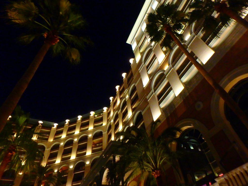 モナコ ホテル 夜