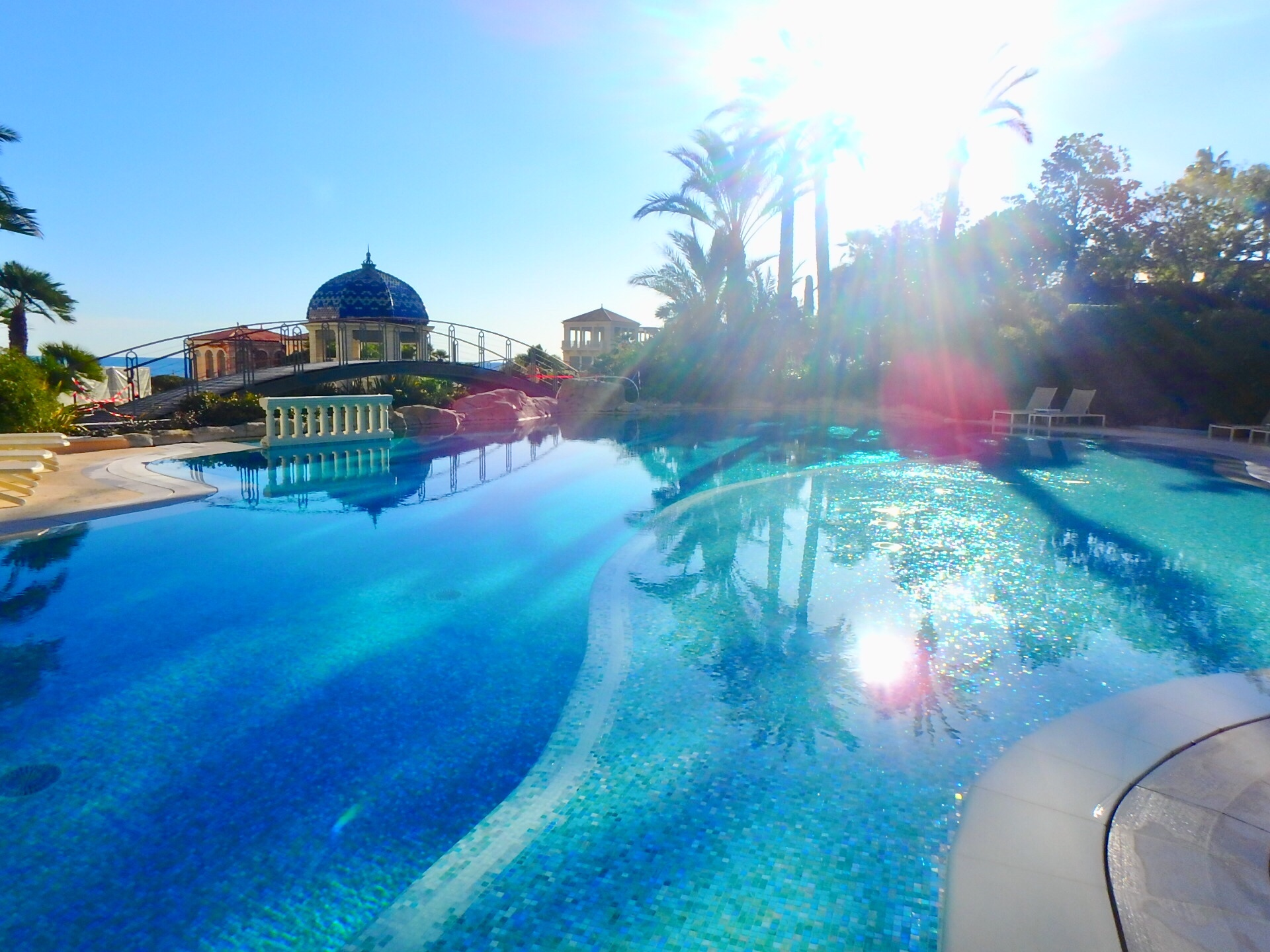 モナコ プール