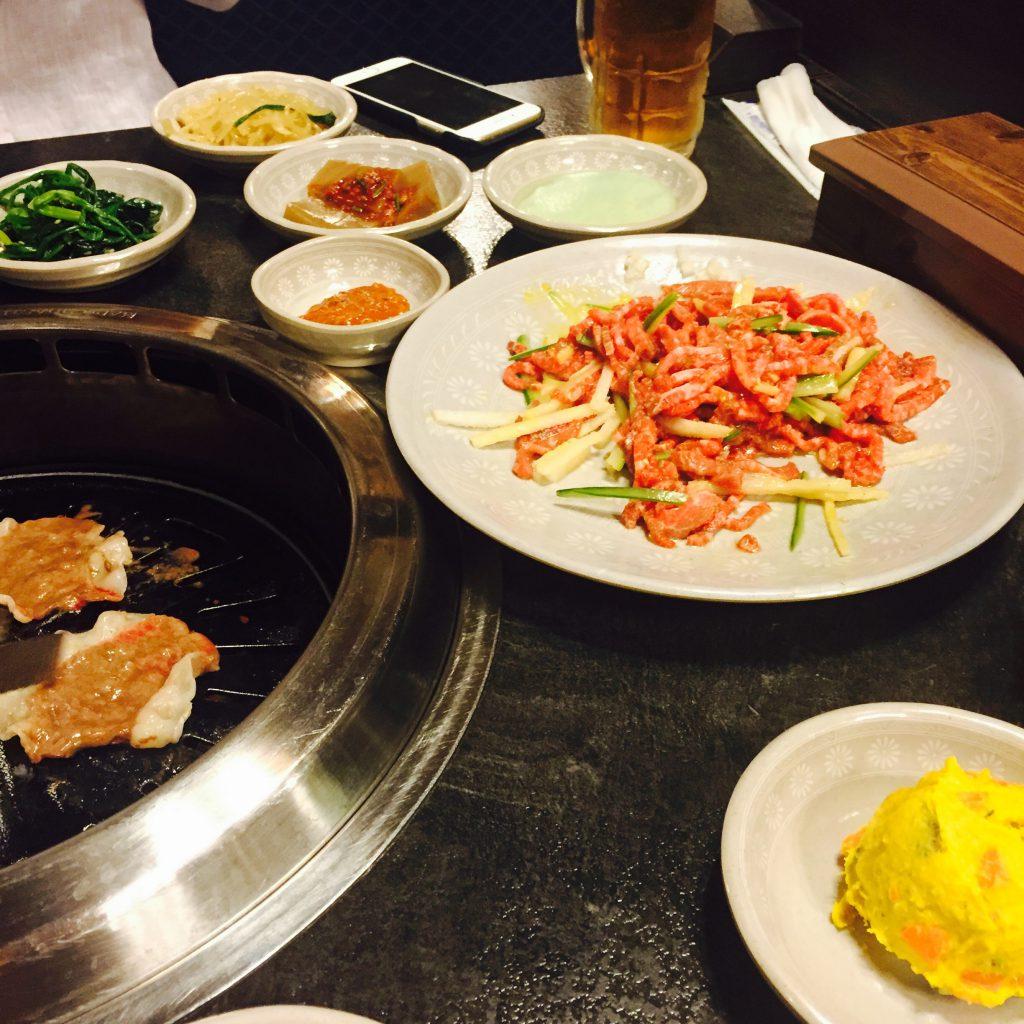 韓国 明洞 ユッケ 美味しい