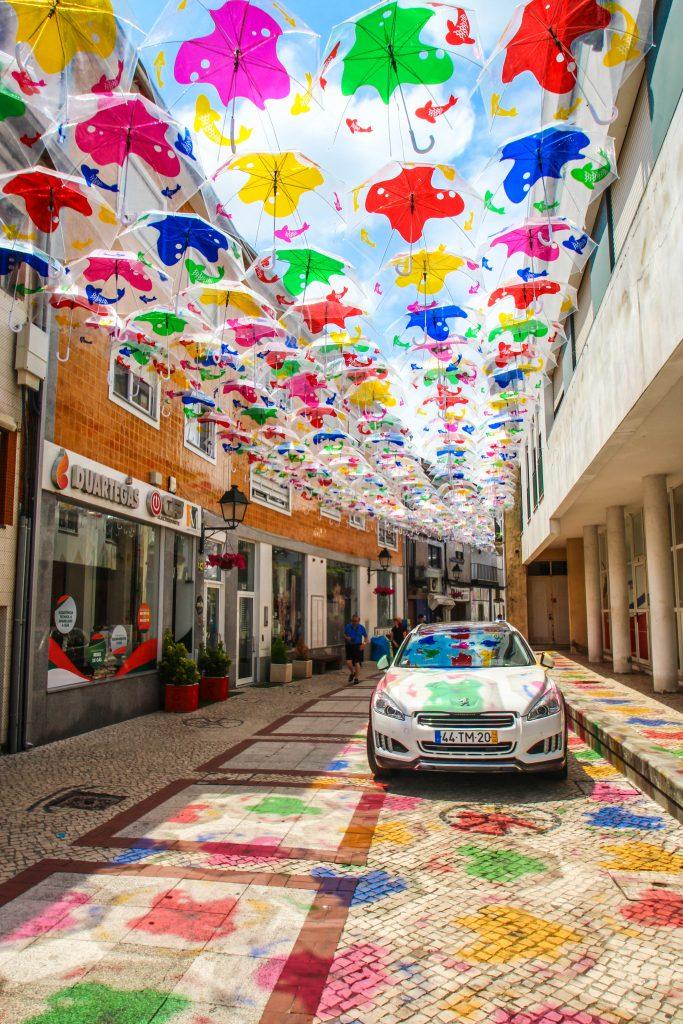 ポルトガル 傘 イベント Umbrella sky project