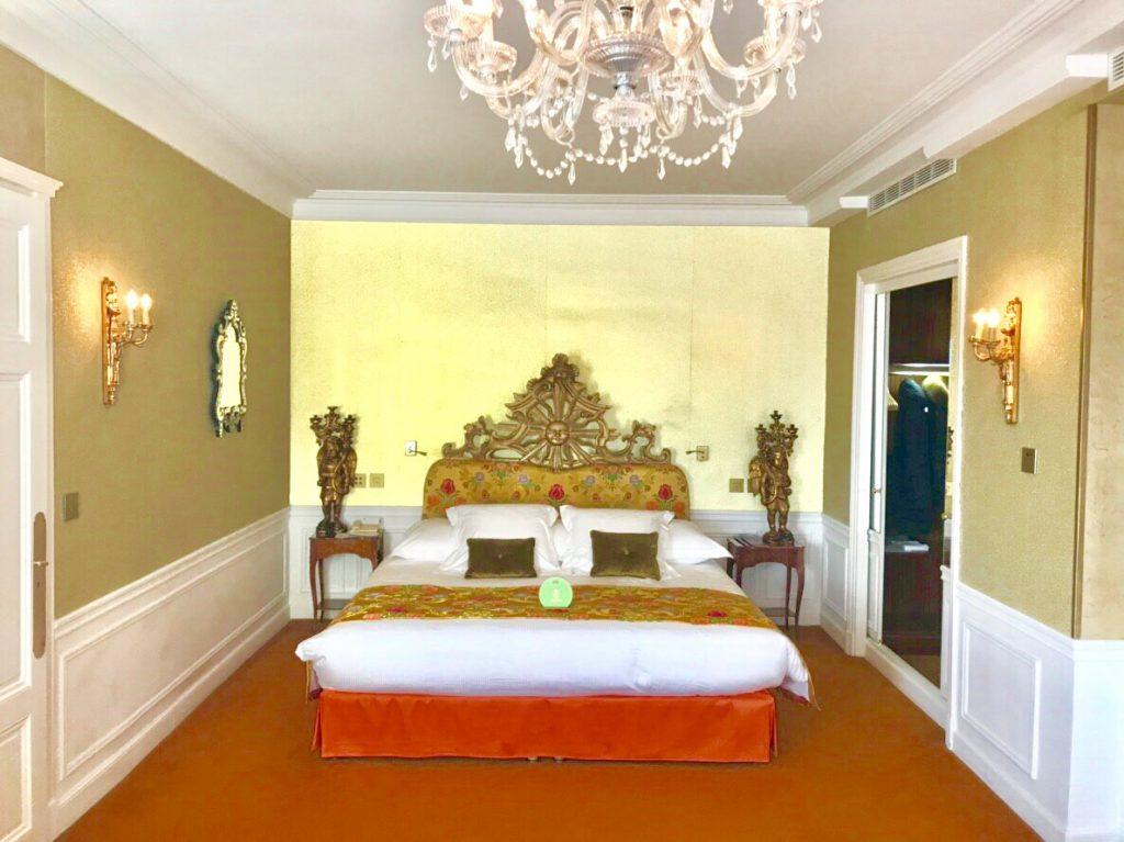 ホテル ネグレスコ ベッドルーム