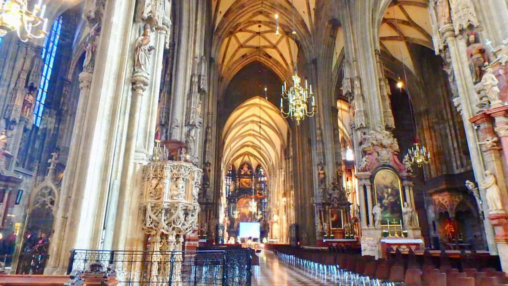 ウィーン 観光 シュテファン大聖堂