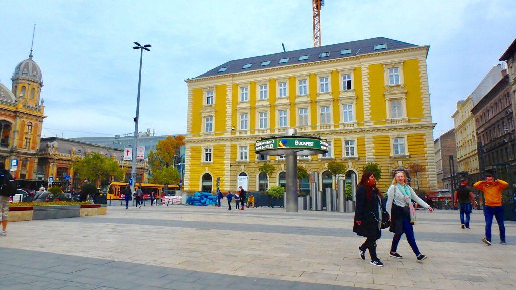 ブダペスト Nyugati Pályaudvar 駅