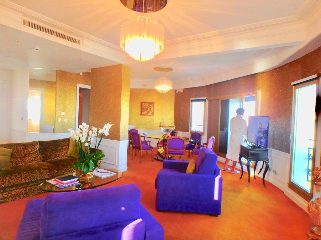 ホテルネグレスコ スイートルーム